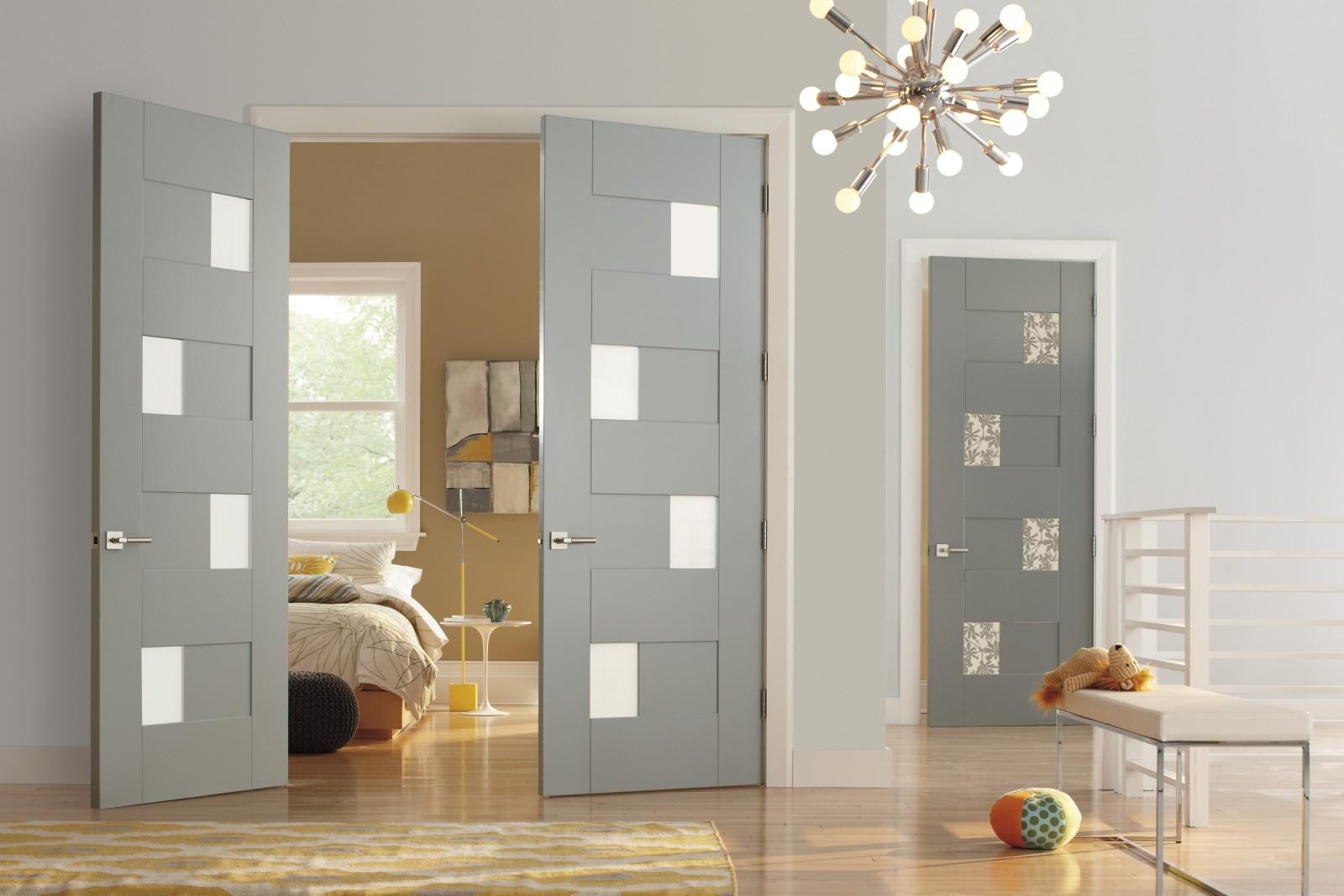 Декор двери с матовым стеклом