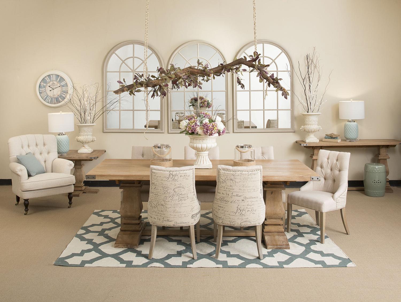 Кресло в стиле прованс в столовой
