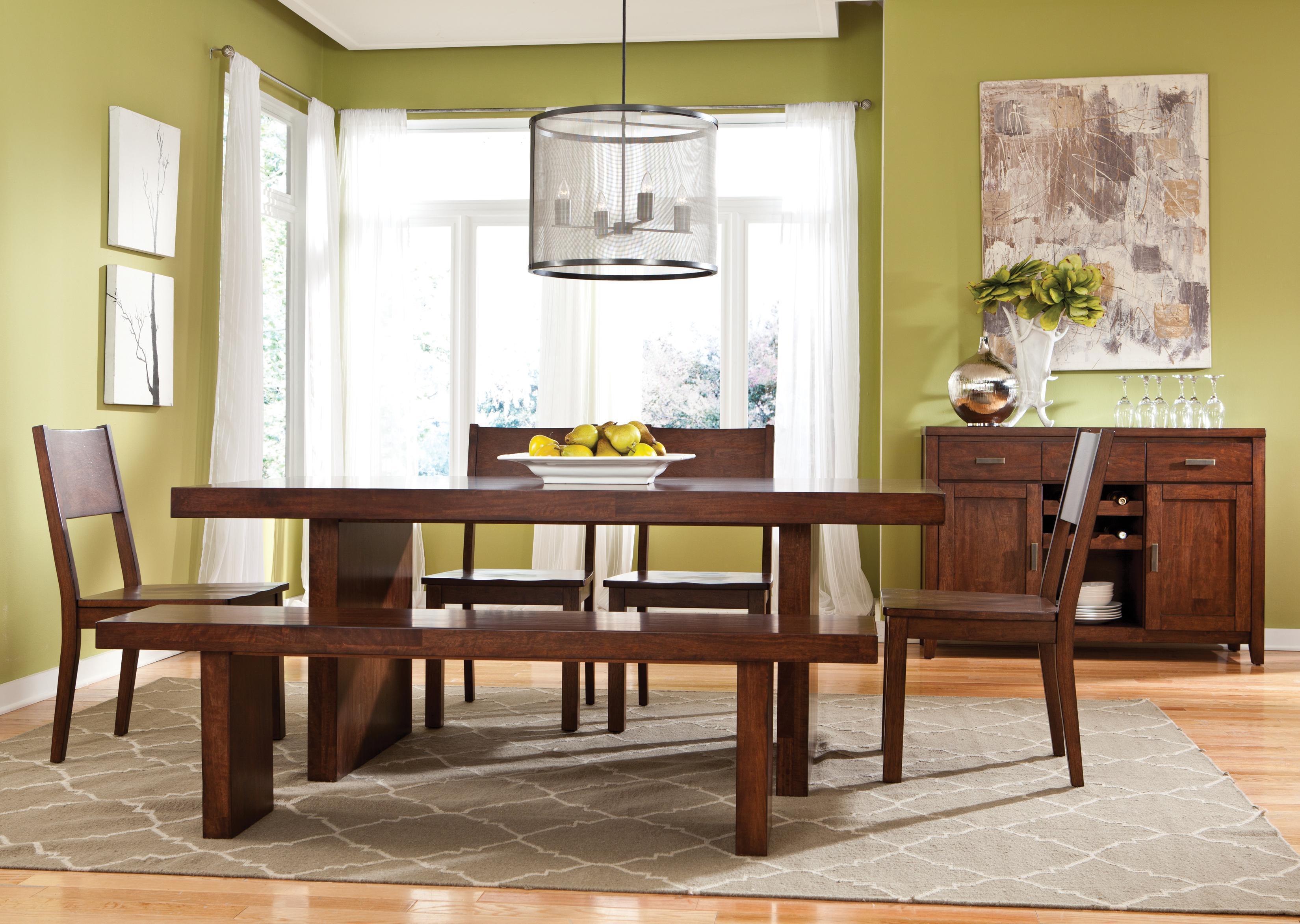 Оливковые обои в столовой
