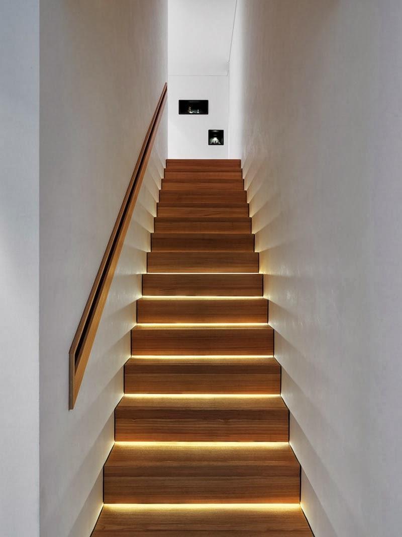 Подсветка ступенек на лестнице