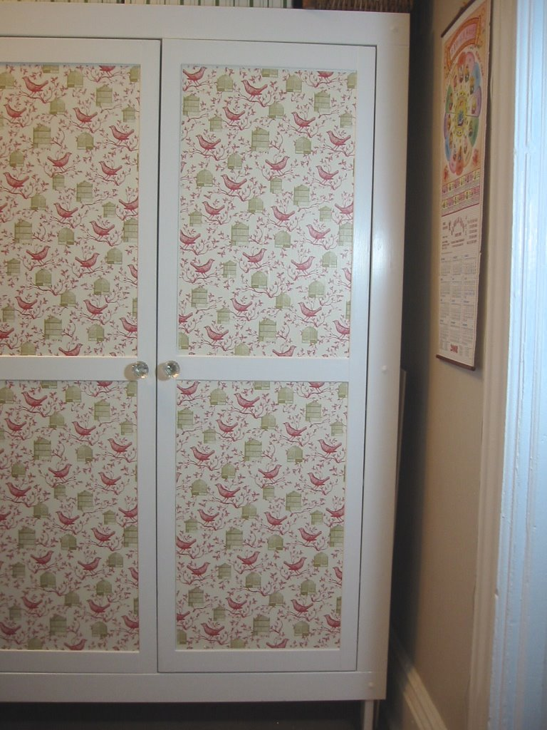 Декор шкафа тканью