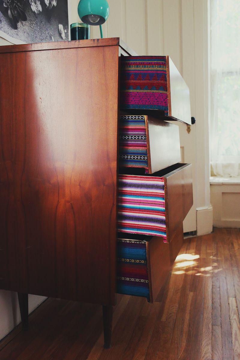 Декор мебели тканью
