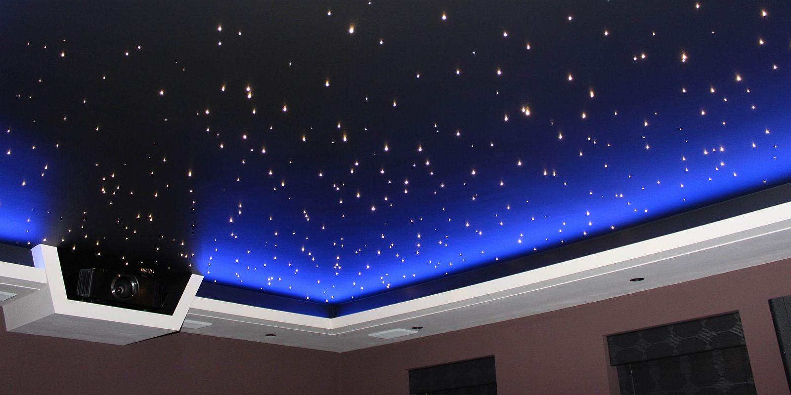 """Потолок """"звездное небо"""" с точечными светильниками"""