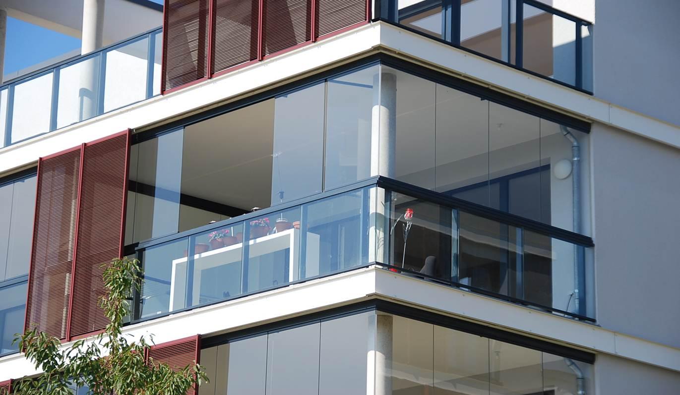 Панорамное остекление углового балкона