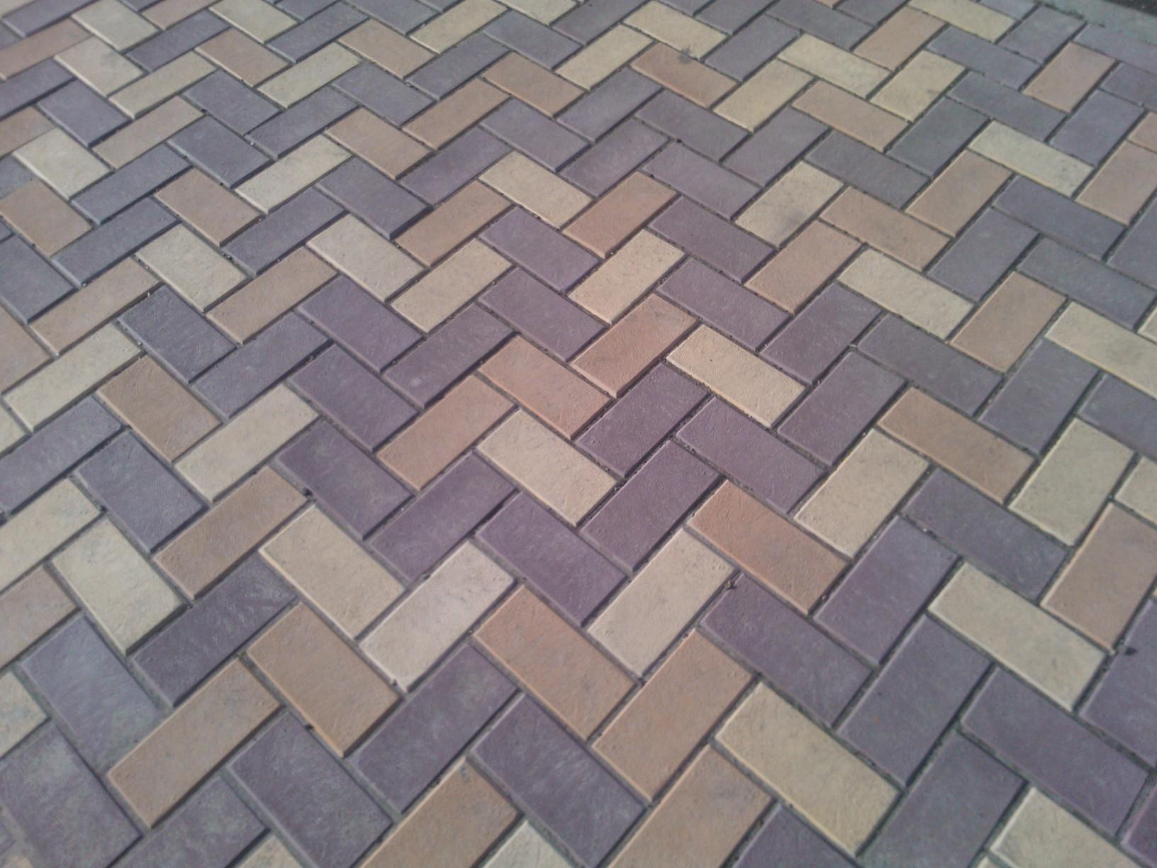 Укладка тротуарной брусчатки