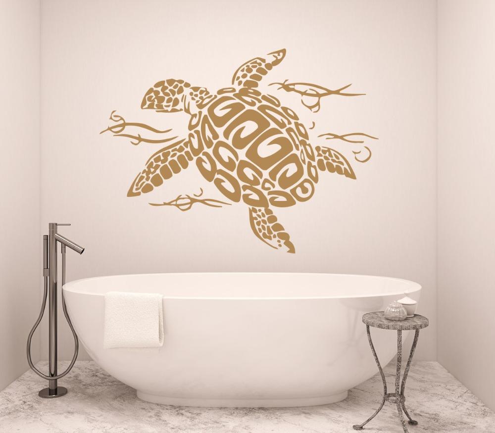 Черепаха на стене ванной