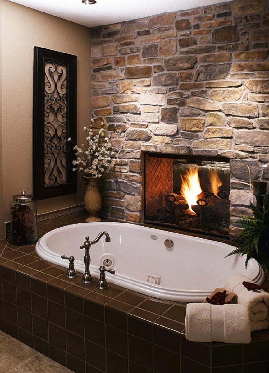 Гипсовый декоративный камень в ванной