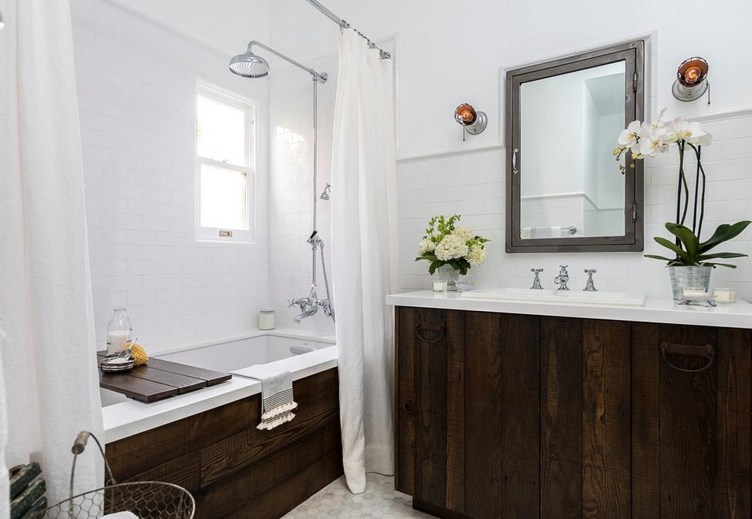 Орхидея Ванда в ванной