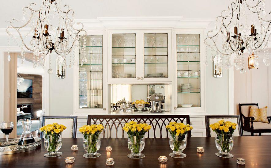 Стеклянные вазы в интерьере