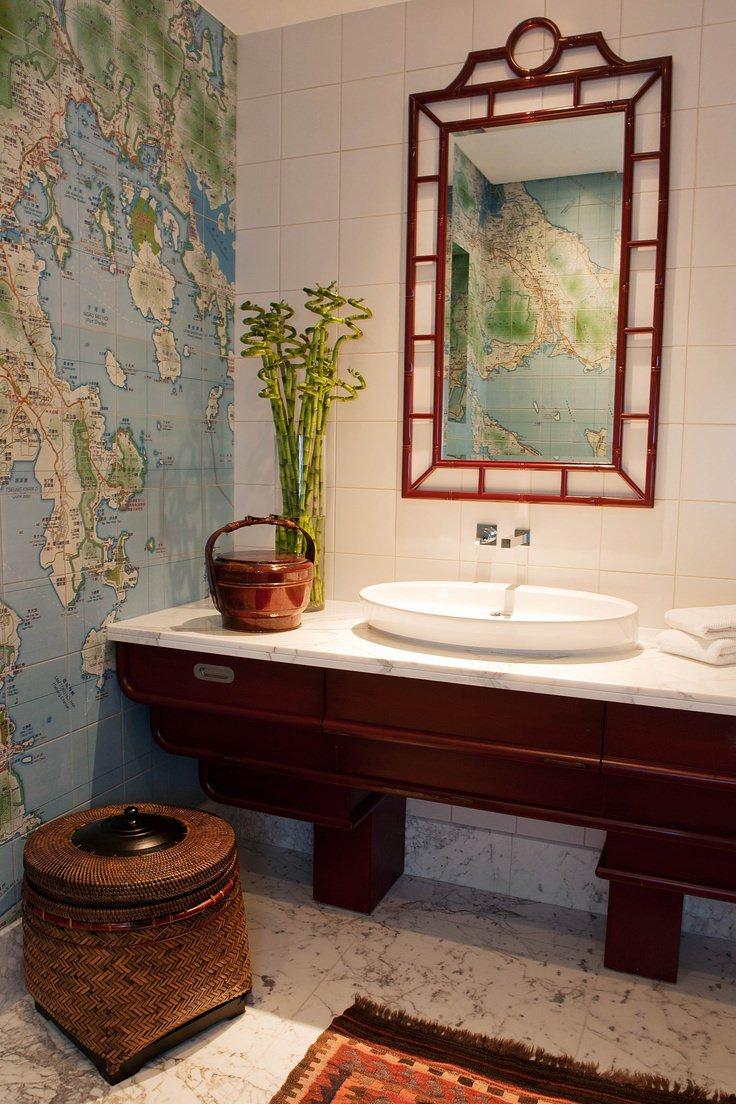 Карта в ванной в стиле этно