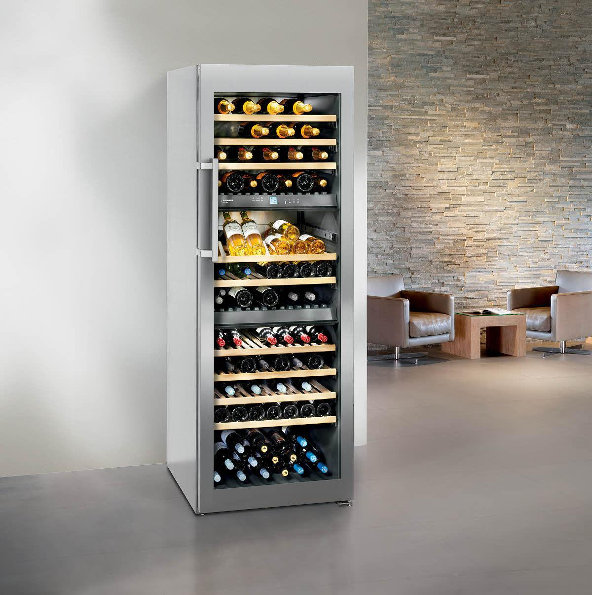 Шкаф для вина с выдвижными полками