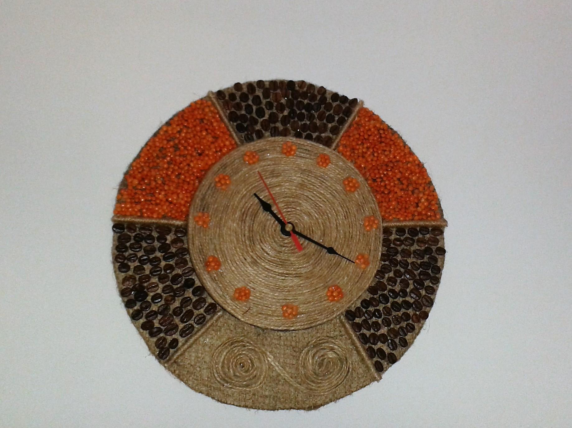 Декор часов зернами