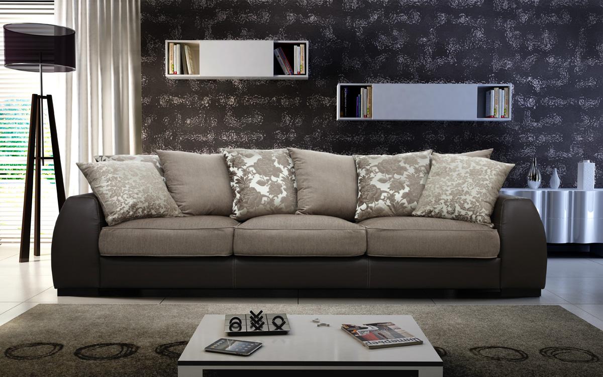 Жаккардовый диван в интерьере гостиной