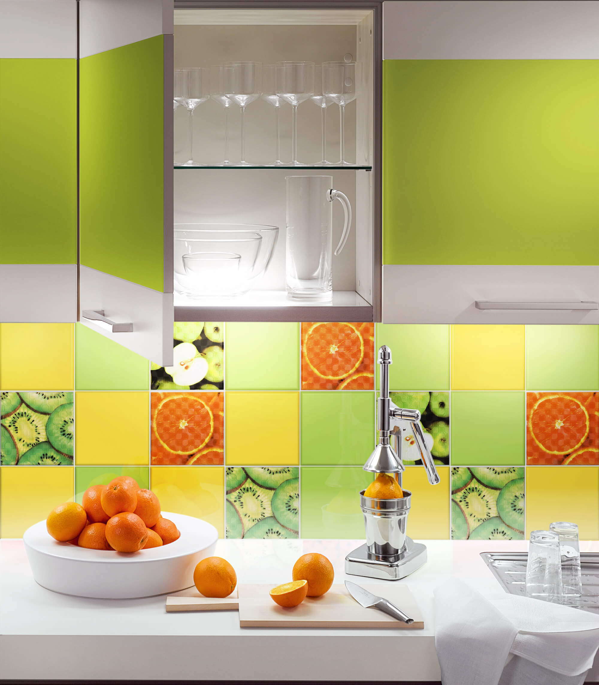 Акценты из оранжевой плитки на кухне