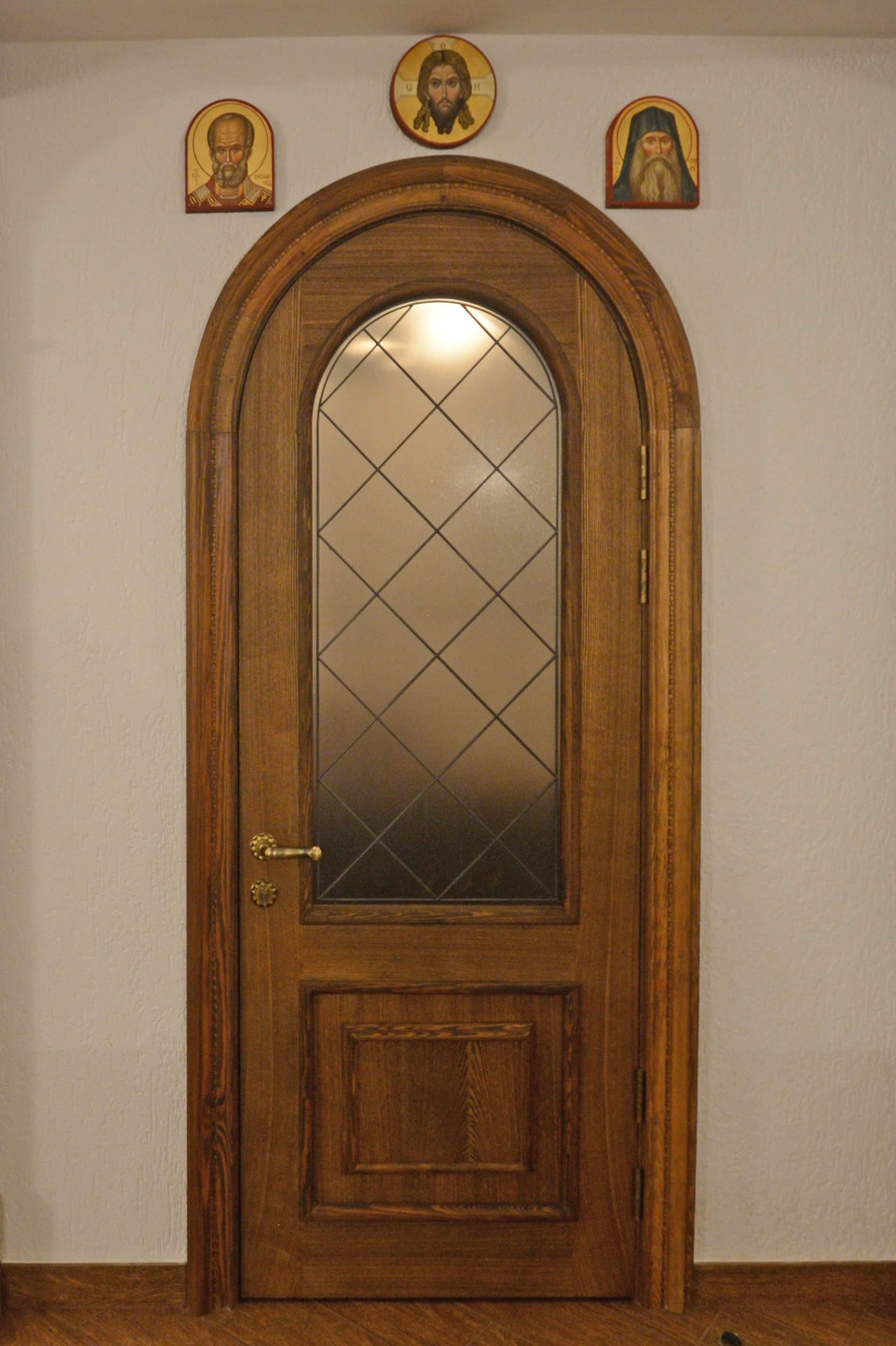 Арочная дверь из палисандра