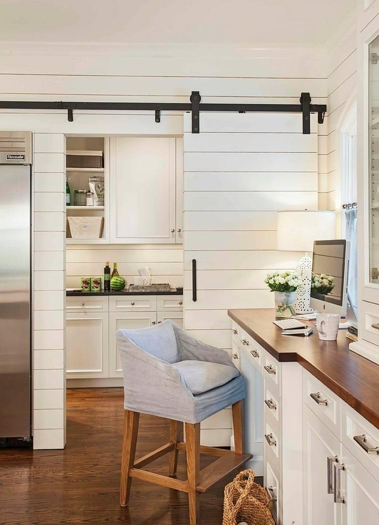 Перегородка между кухней и гостиной белая