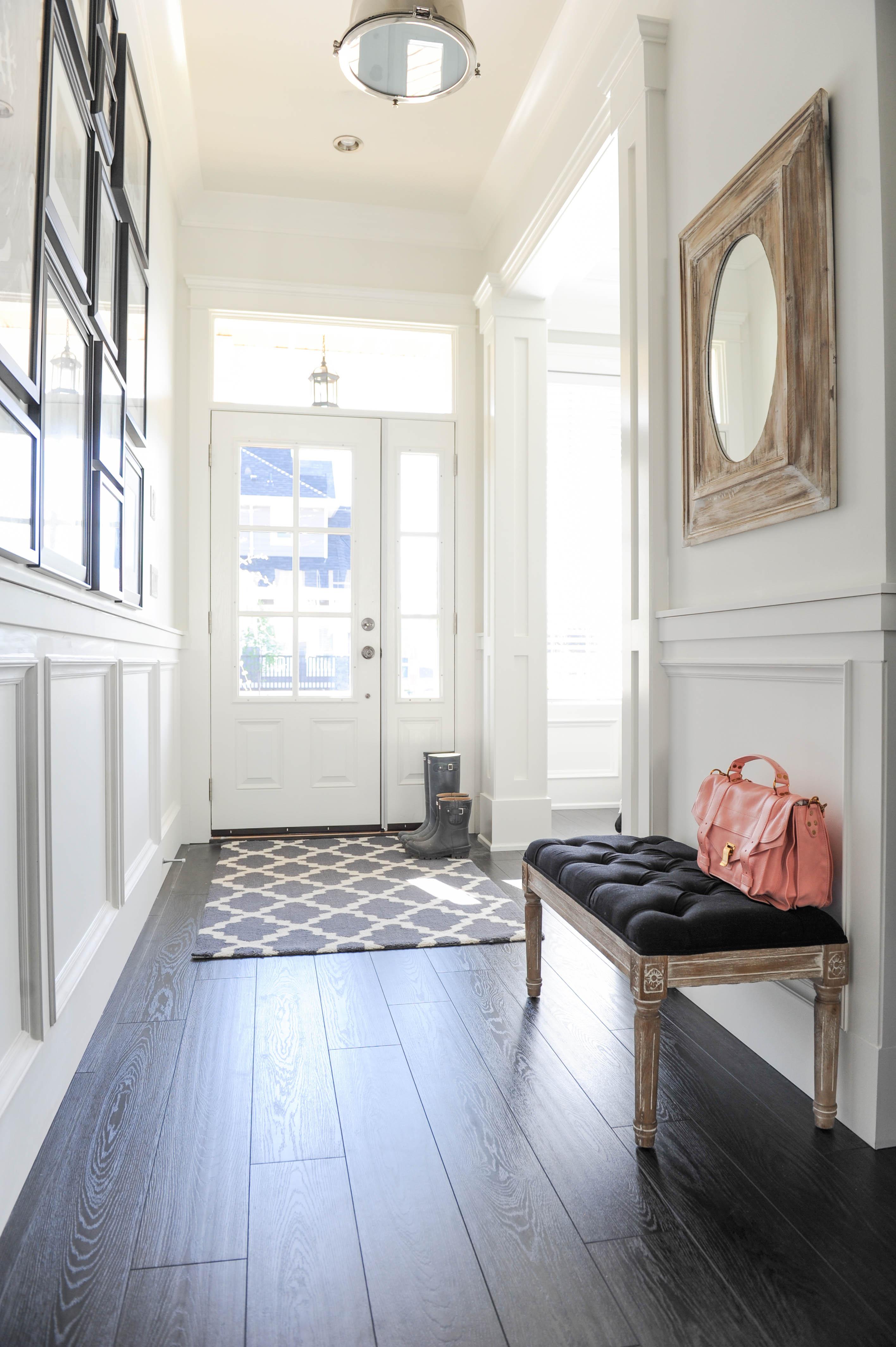 Стеновые панели для коридора белые