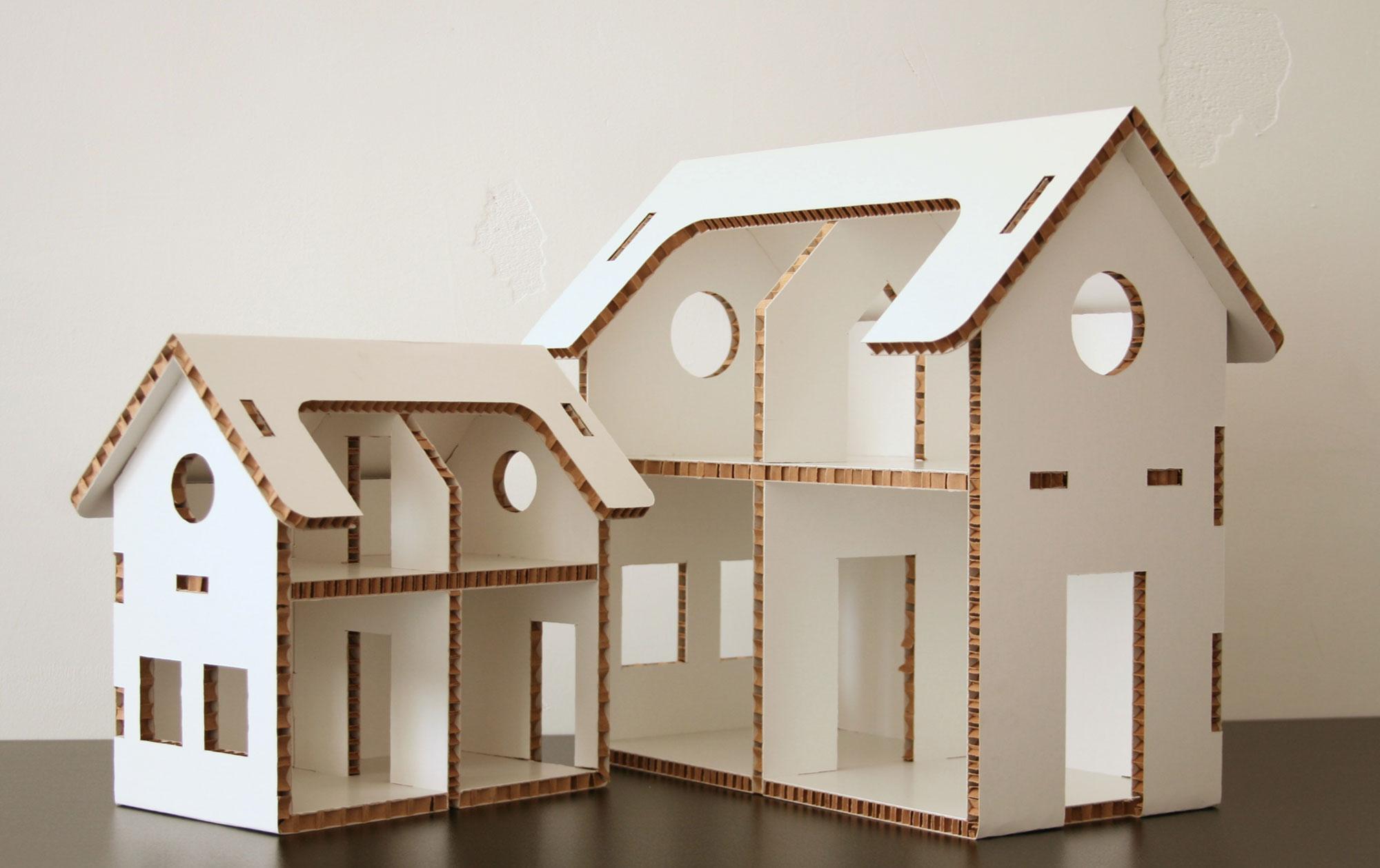 Кукольный домик из белого картона