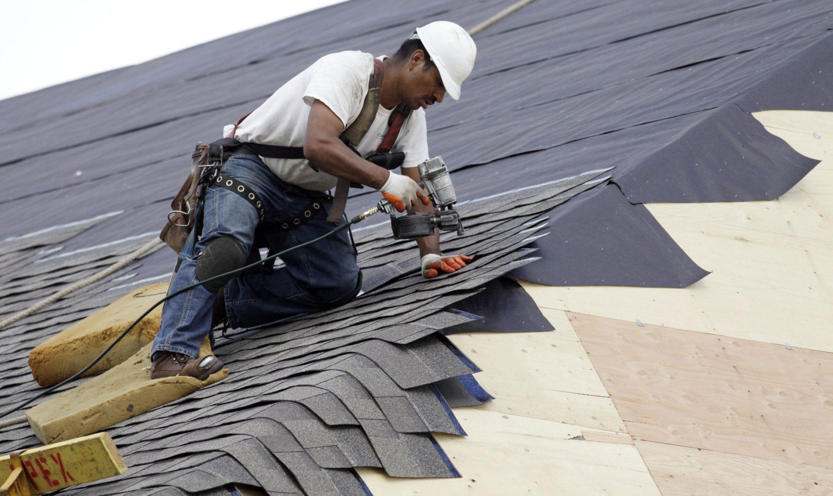 Монтаж битумных мембран на крышу