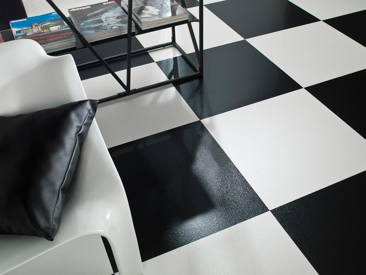Лаппатированная плитка в шахматной раскладке