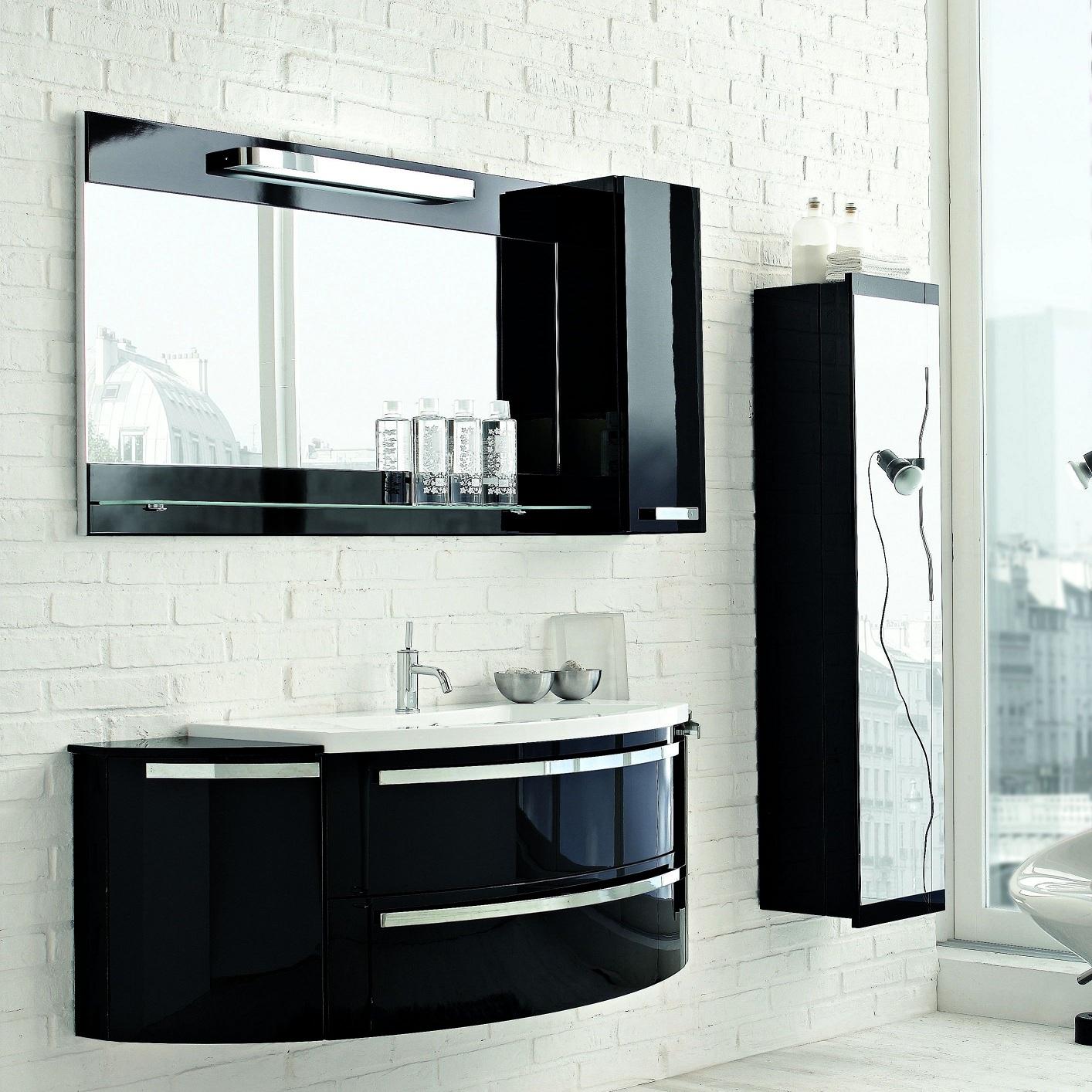 Черный пенал для ванной