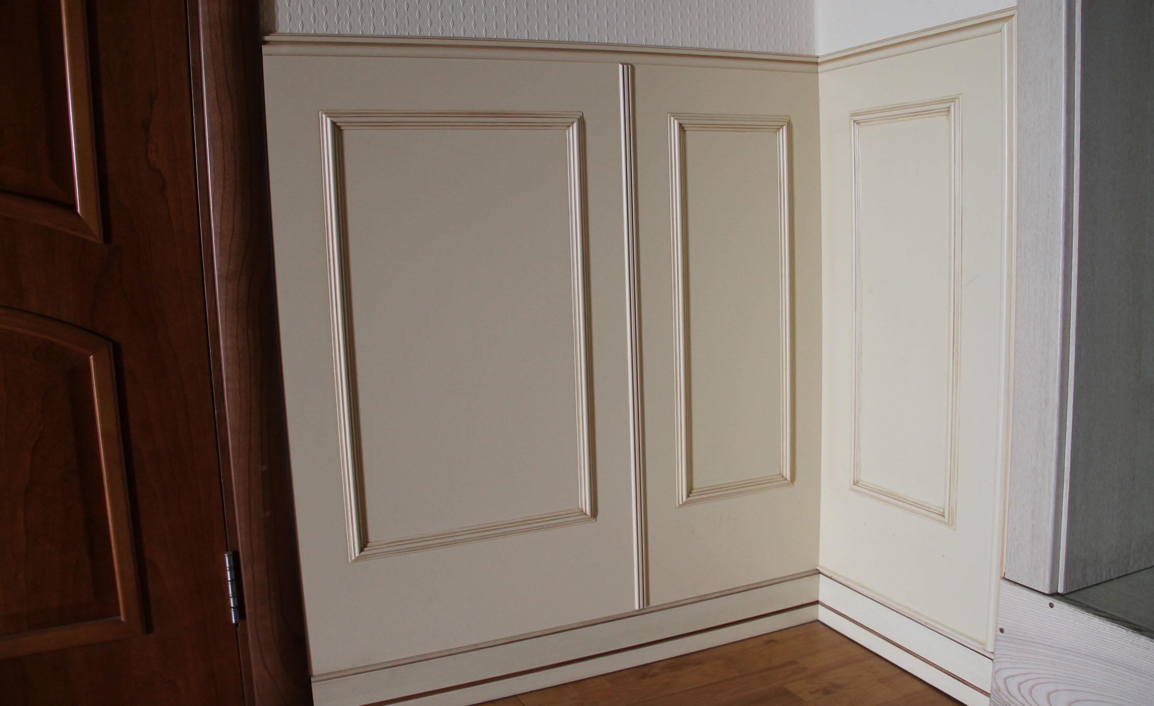 Стеновые панели в коридоре в классическом стиле