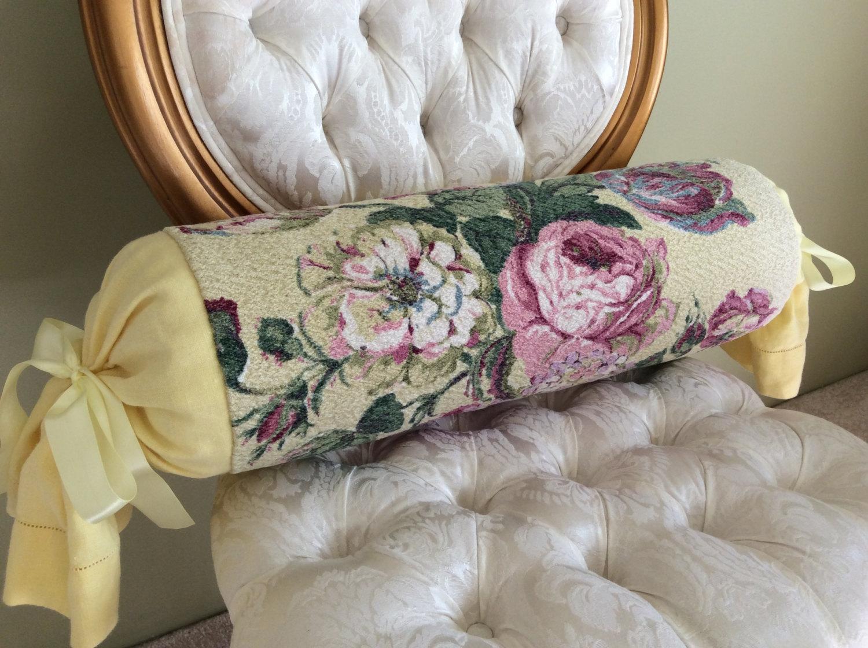 Подушка валик классическая