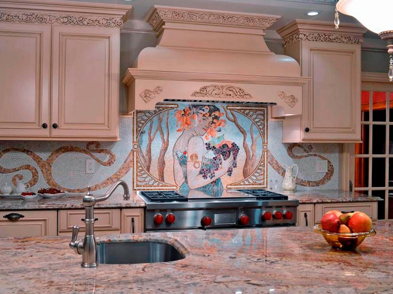 Мозаика на кухне в классическом стиле