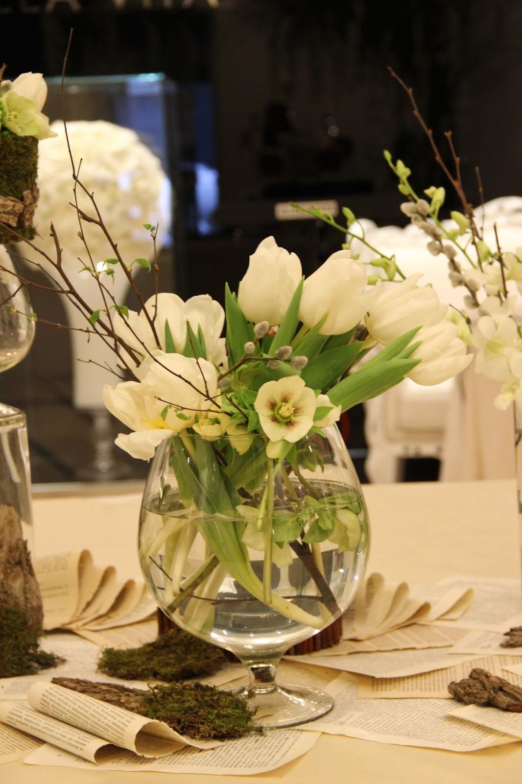 Декор фуршетного стола цветами