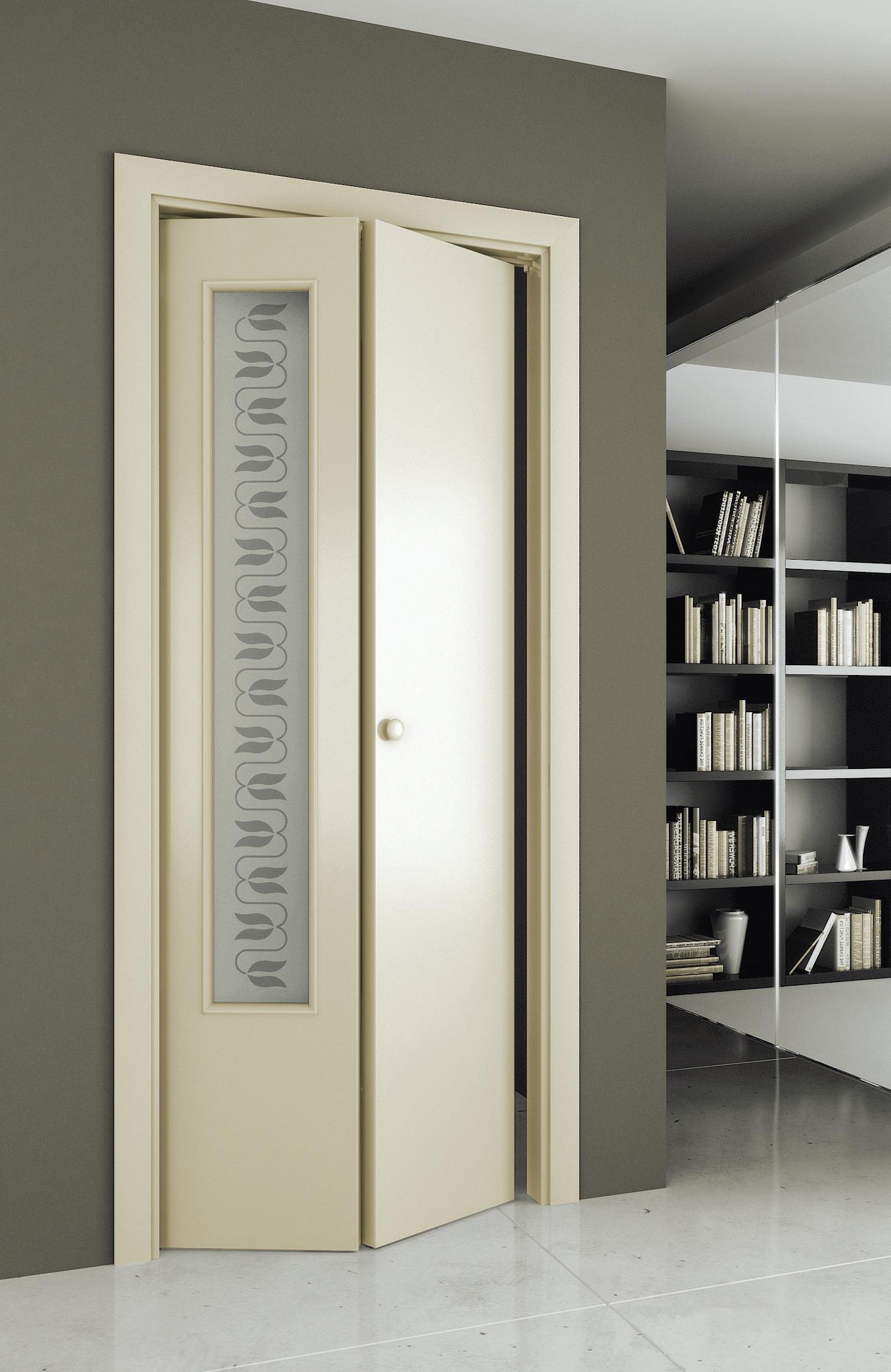 Белая дверь-гармошка с декором
