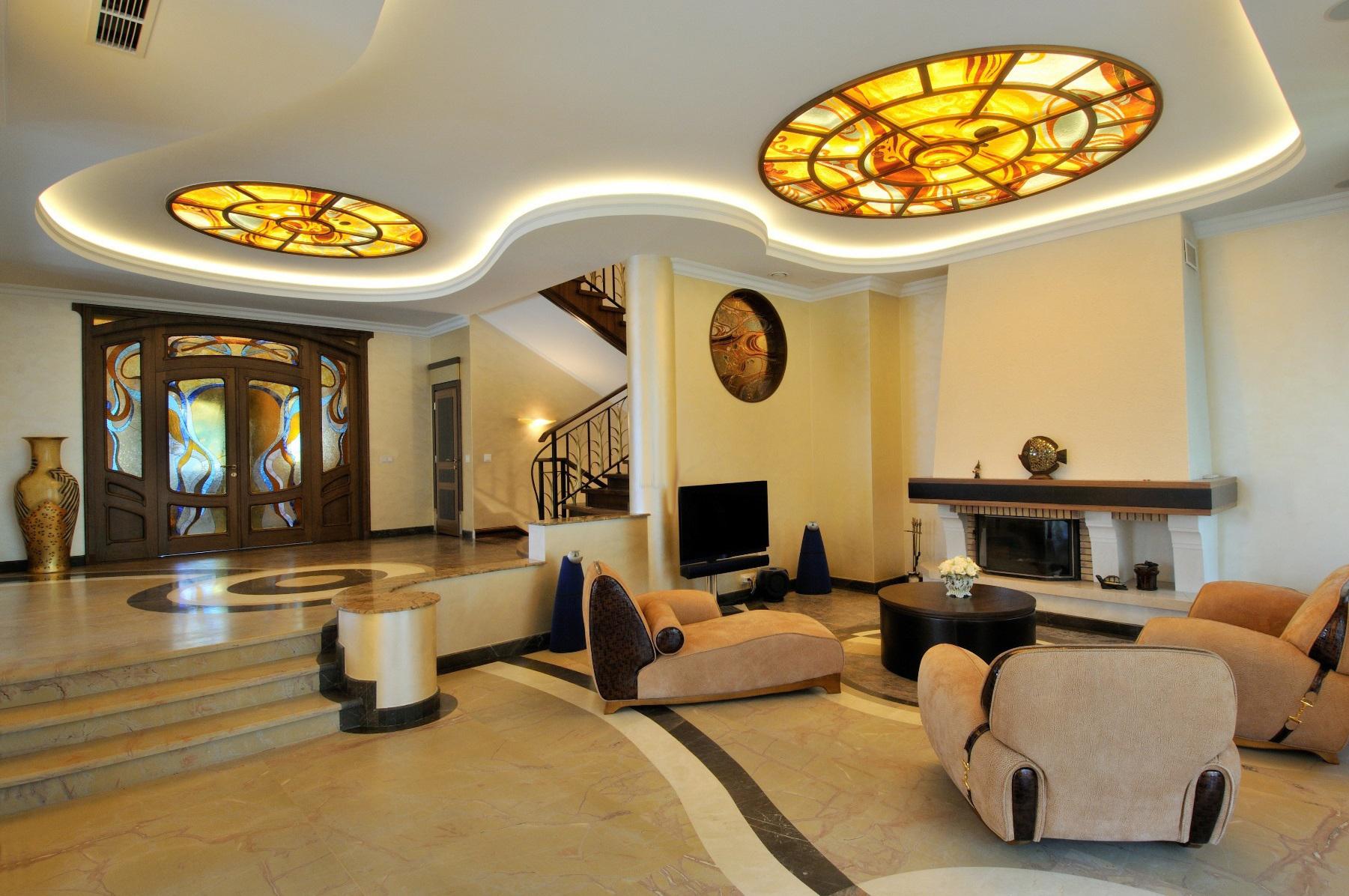Витражный потолок в стиле ар-деко