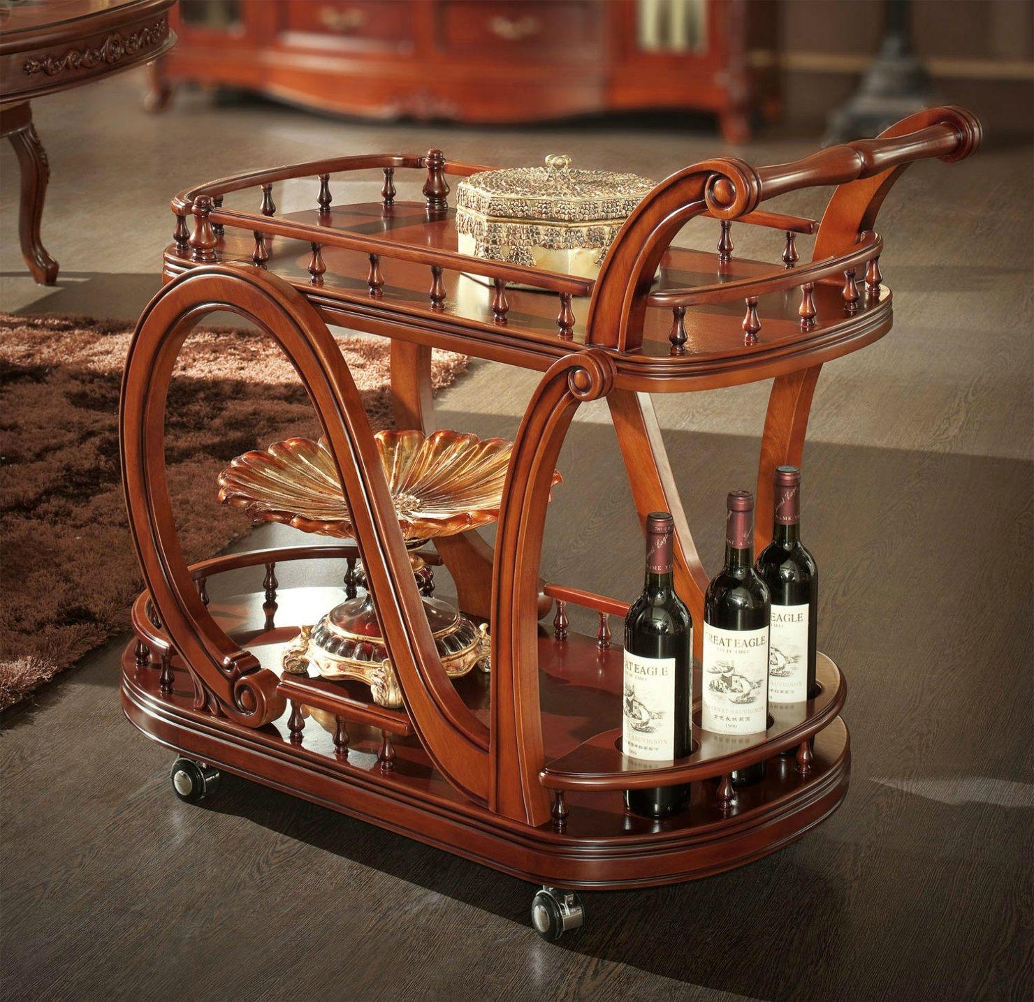 Сервировочный деревянный столик