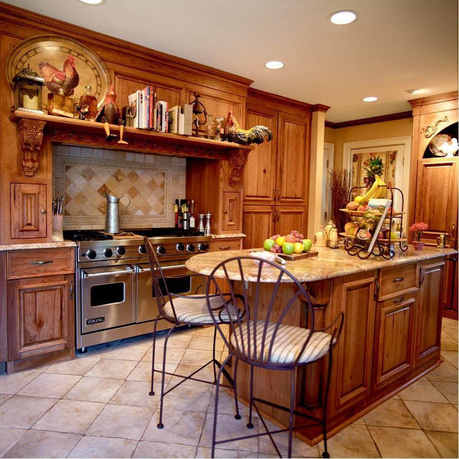 Деревянная кухня в тосканском стиле