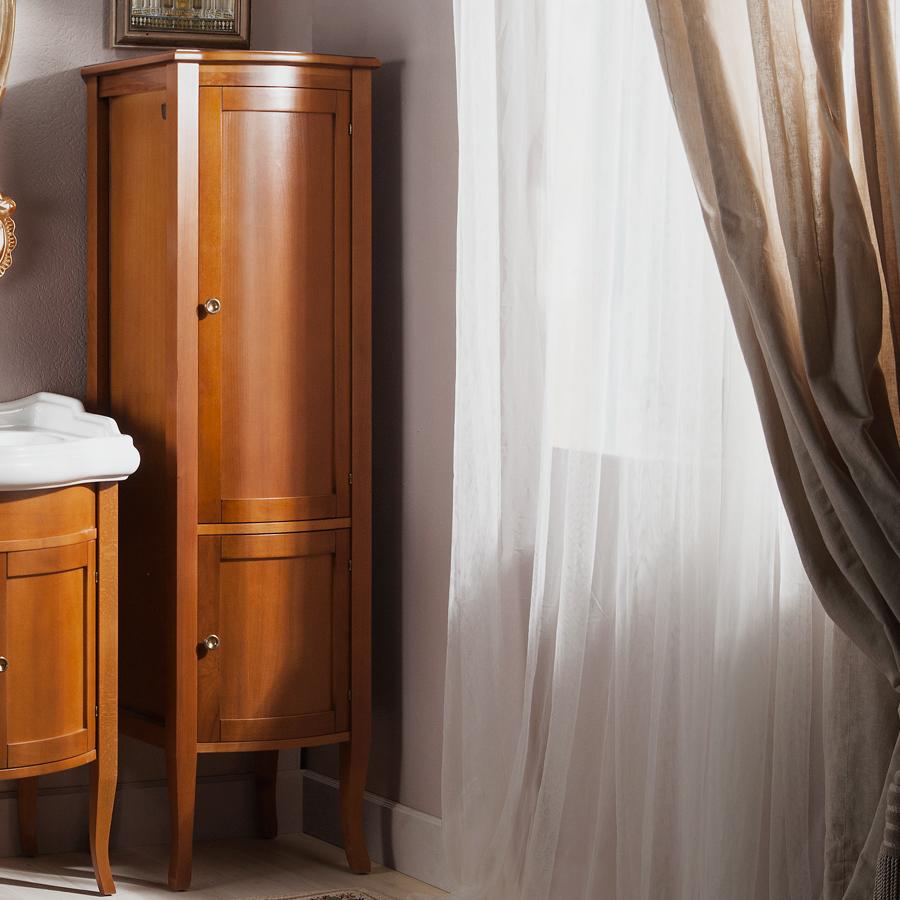 Шкаф-пенал из дерева
