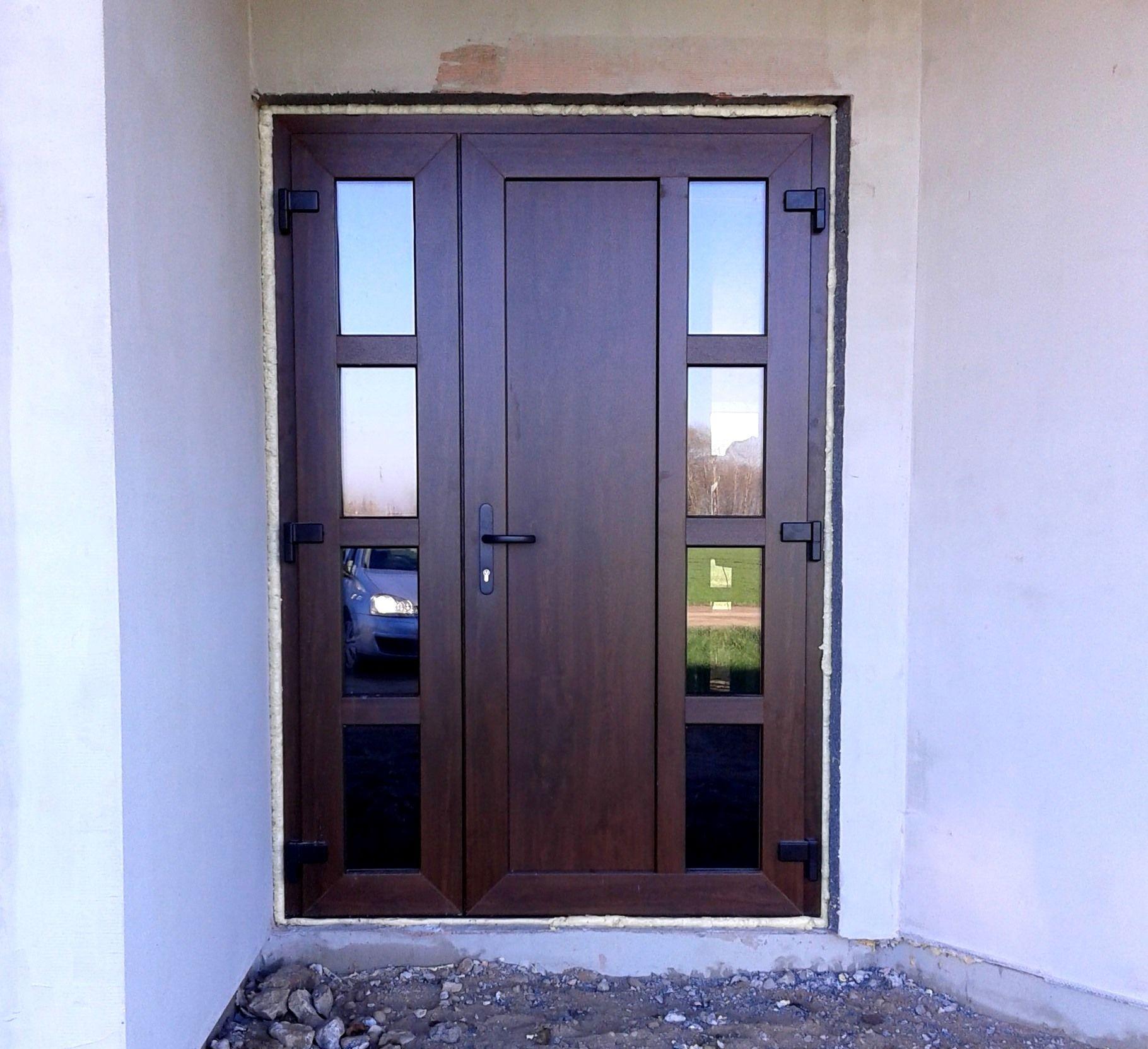 Дверь из ПВХ под дерево