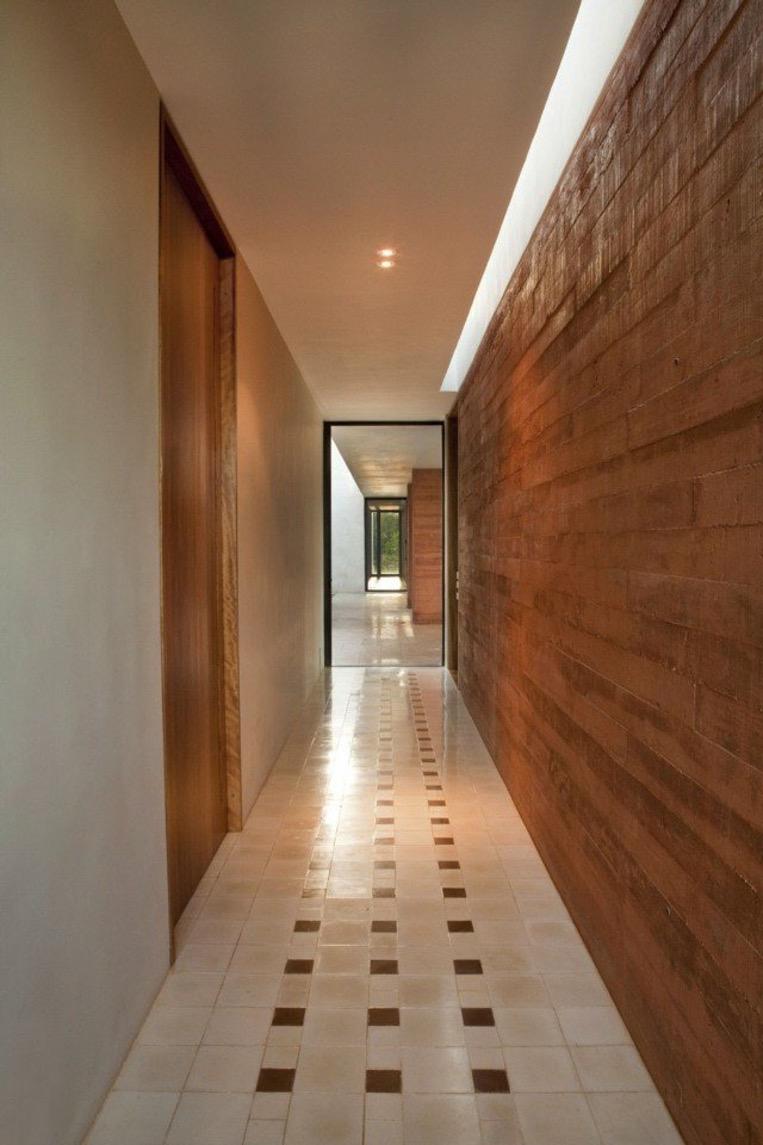 Стеновые панели для коридора деревянные