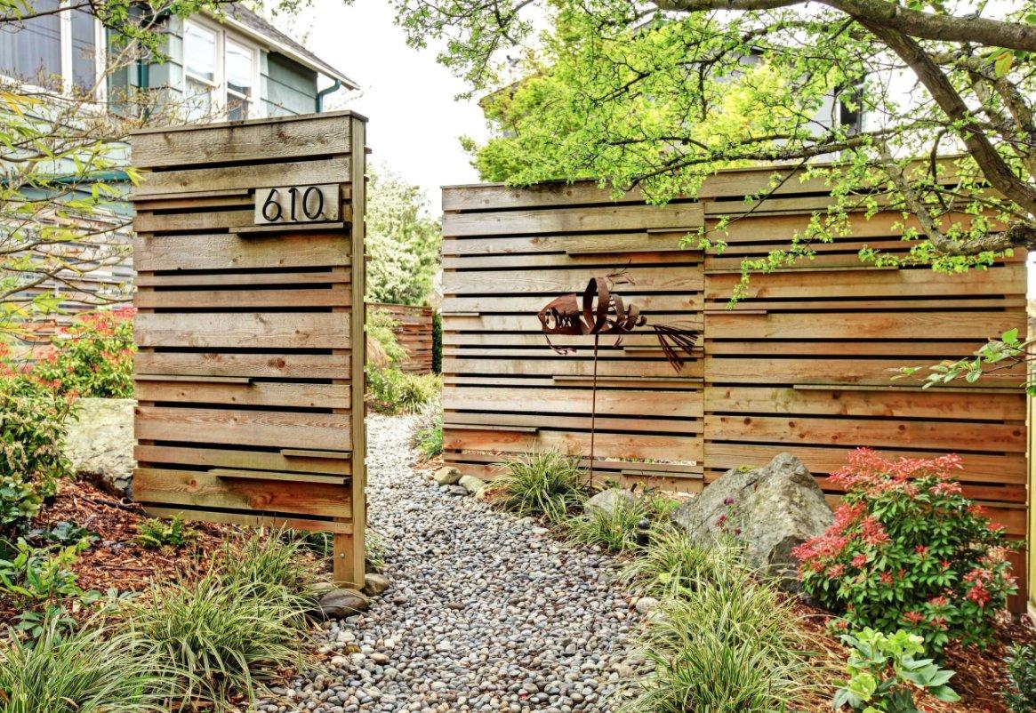 Деревянный дизайнерский забор