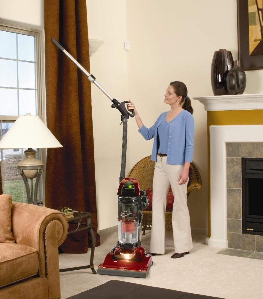 Вертикальный пылесос для дома