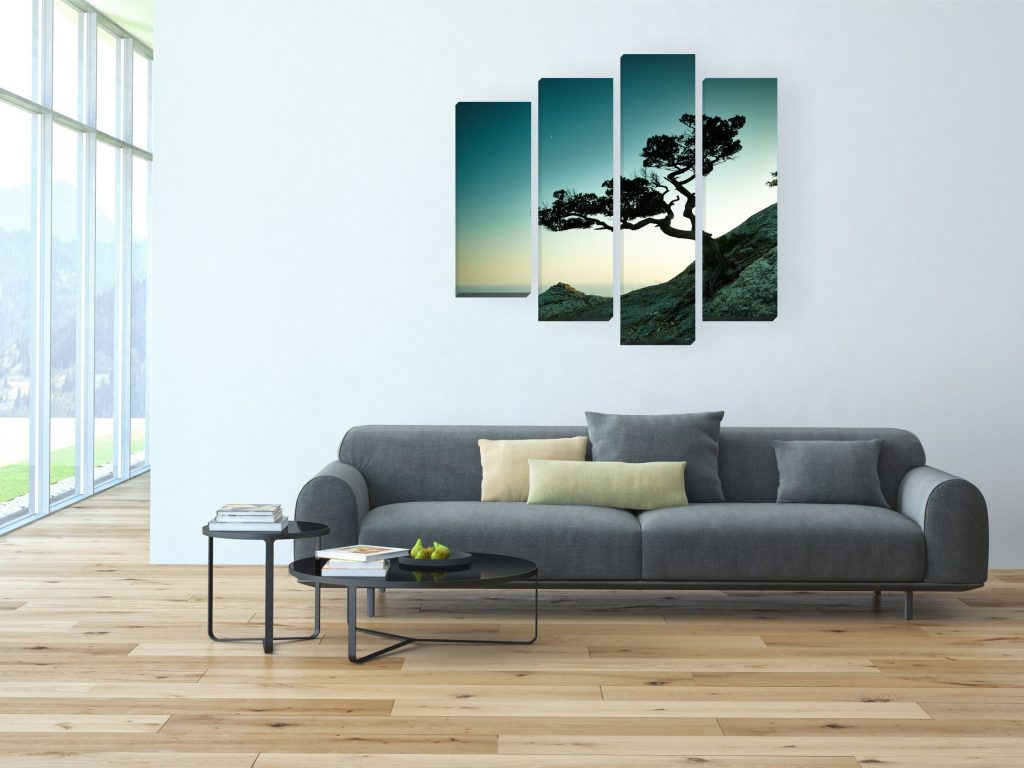 Панорамная картина в интерьере дома