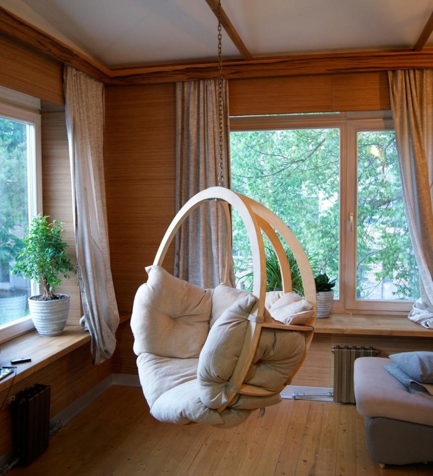 Кресло-шар в доме