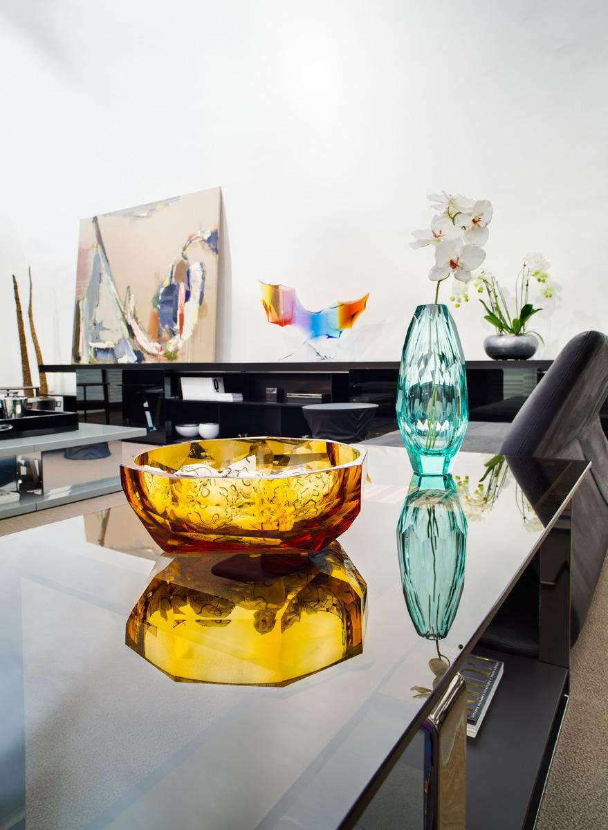 Декоративные вазы из горного хрусталя
