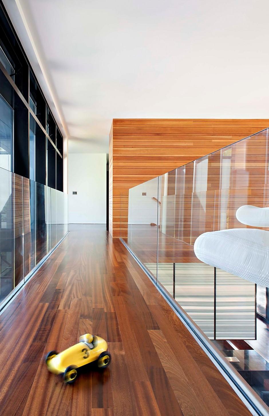 Стеновые панели для коридора с досками