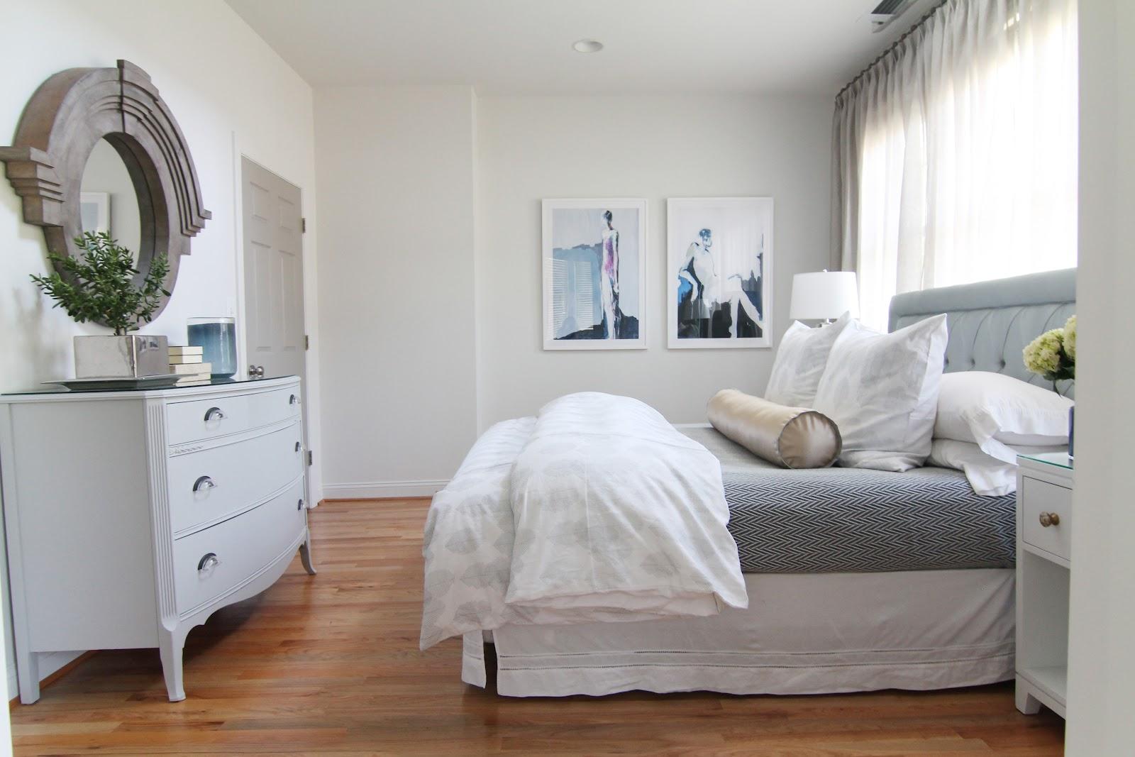 Подушка валик на двуспальную кровать