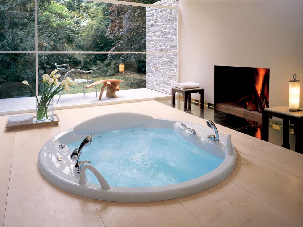 Круглая ванна с джакузи
