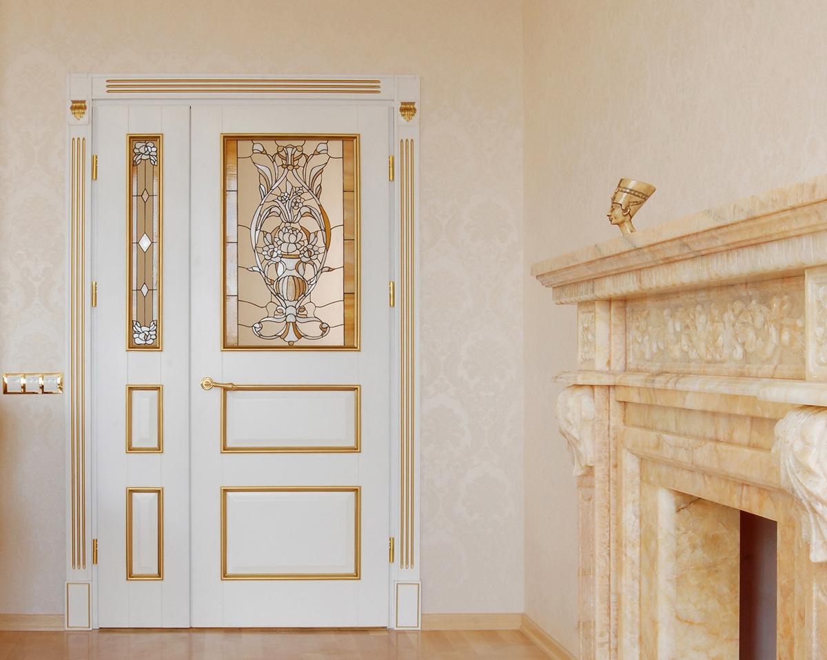 Дверь с патиной в эклектичном стиле