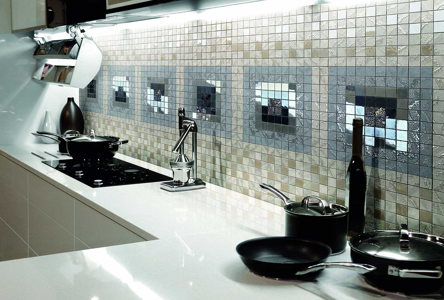 Фактурная мозаика на кухне