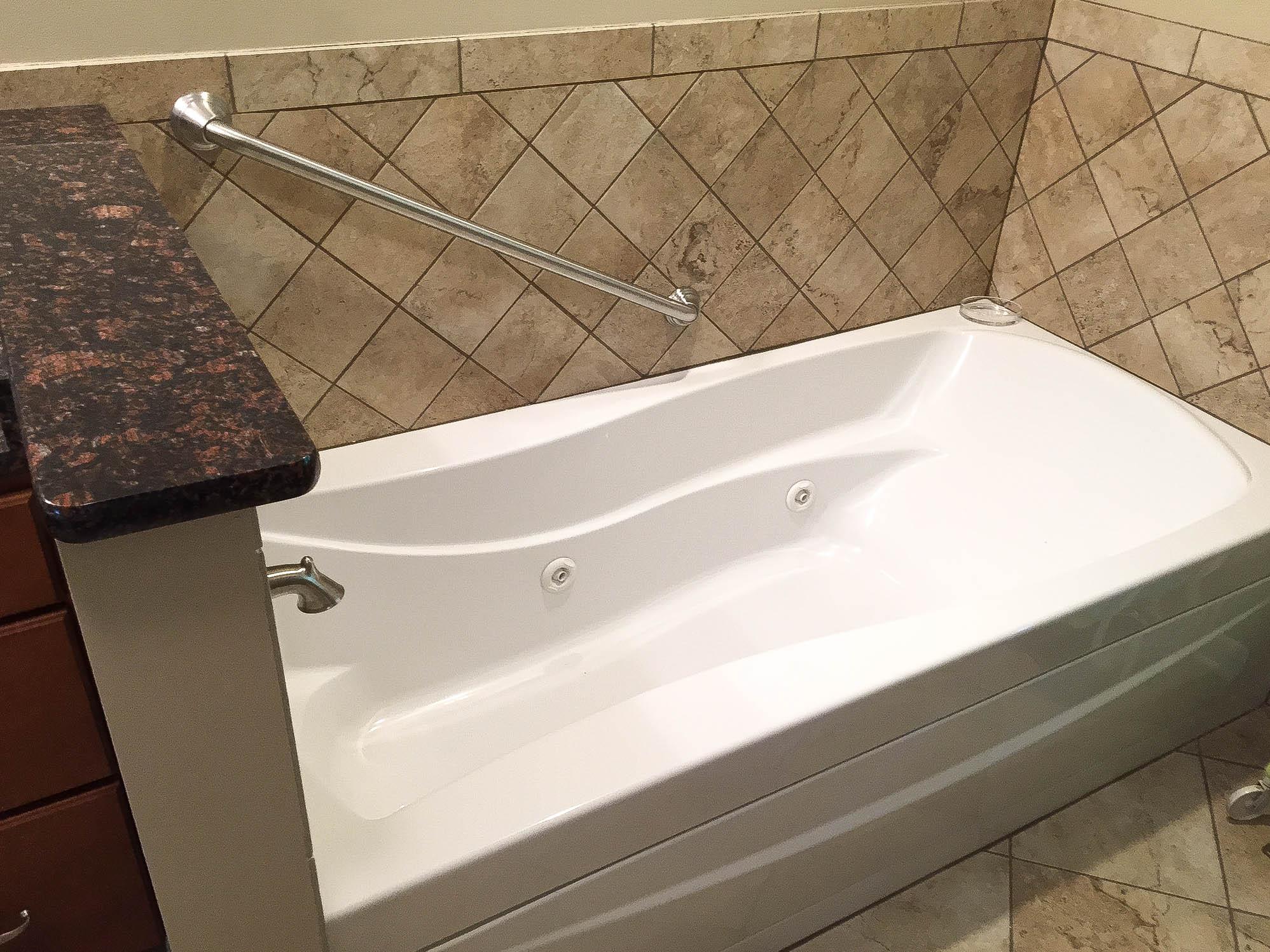 Реставрация фигурной ванны