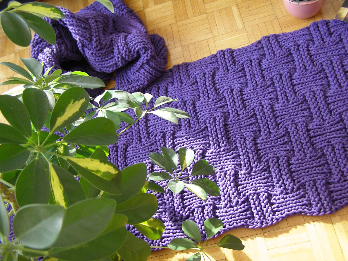 Ковер из шнура фиолетовый