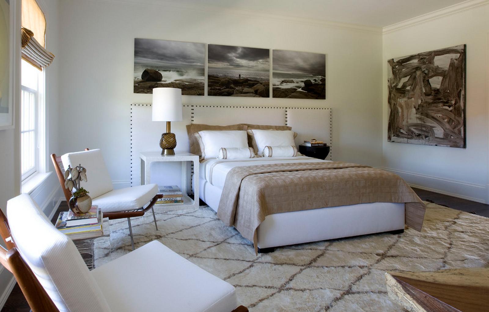 Черно-белые фото в интерьере спальни