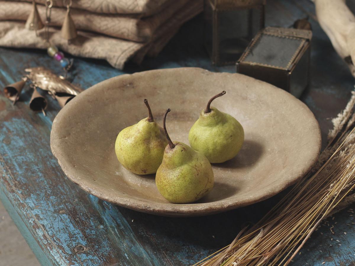 Каменная фруктовница